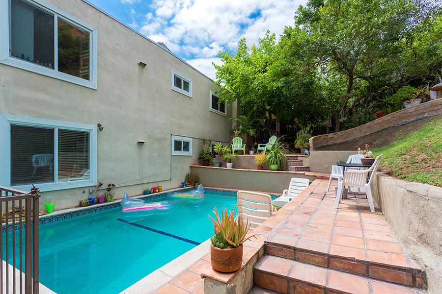 Pool Side View Los Angeles